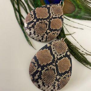 Snake skin design earrings